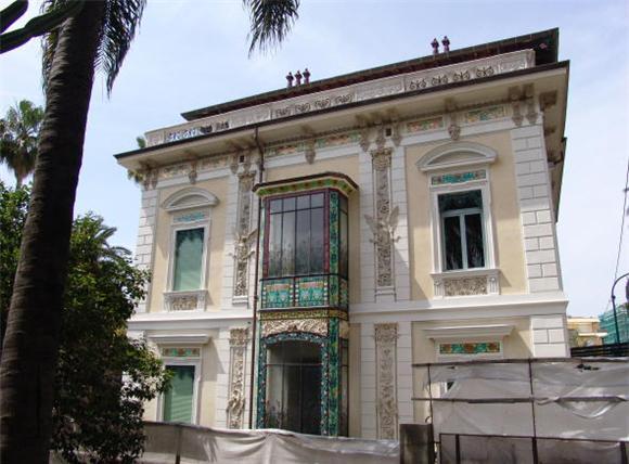 Stile liberty puntocasa for Case in stile villa italiana